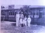 Mormor Olga Wass med familj i Sanden1932
