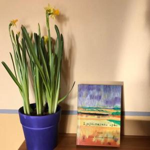 blomma och bok