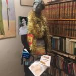Kajsa är med bok ijuletid